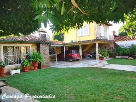 Particular Vende 3 Casas Y 2 Salones Comerciales Dentro De La Propiedad