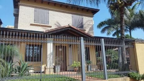 Vendo Casa De Lujo A Una Cuarda De Acceso Sur, En Zona Real Accso Sur