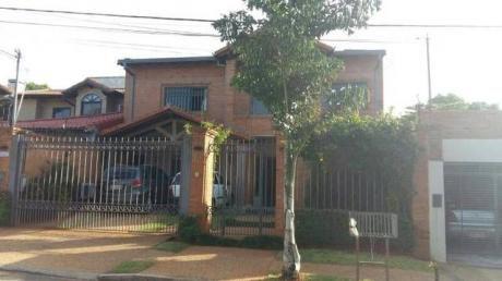 Hermosa Casa !!!  A Pasos De La Municipalidad