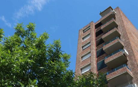 Muy Buen Apartamento De 1 Dormitorio Con Excelente Ubicación En Parque Batlle