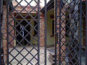 Residencia En Barrio Mcal. Estigarribia-identificaciones