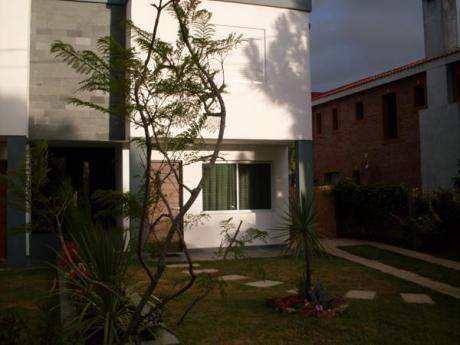 Duplex 4 Ambientes, A La Venta, En Punta Del Este