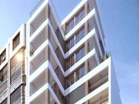 Amplio Apartamento De 2 Dormitorios En El Centro, Exoneraciones Fiscales Ley 18.795