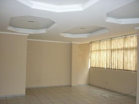 Locales En Edificio Centrico Para Oficina , Deposito, Consultorio, Etc