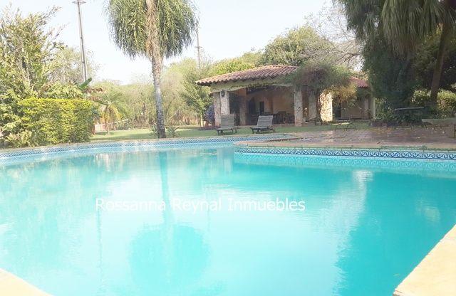 Vendo Gran Casa Quinta En Luque Z/ Curva Romero Con Un De Terreno De 8.294 M2.