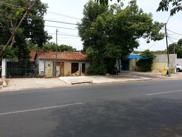TERRENO: Sobre Aviadores Del Chaco 1.400 M2 en Asunción