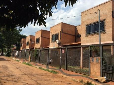 Alquilo Duplex A Extrenar , Con 3 Dormitorios, Garage 1 Vehiculo Patio Mueblkes Achon-