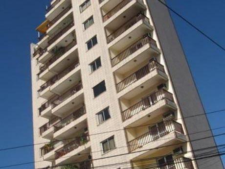 Departamento En Edificio Primavera. Zona Embajada Argentina-calle Juan De Salazar-avda.españa