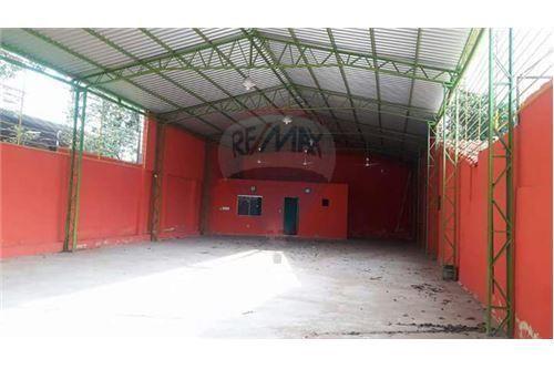 Vendo Tinglado Imponente En San Lorenzo Superficie Cubierto 360 M2
