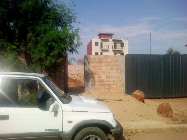 Vendo Terreno Superficie De 12 X 32 Mts En Fdo De La Mora Zona Sur Recibo Vehiculo Cambalache