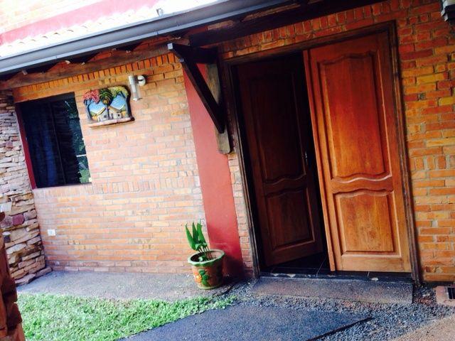 Vendo Casa De Dos Niveles En Luque - Laurelty