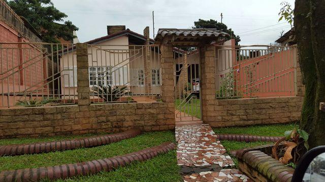 Vendo Hermosa Casa Titulada, En Km 7 Barrio Mburucuya Cde