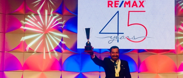 Saúl Ortiz, premiado como Broker Global RE/MAX 2017