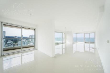 Icon Brava, Gran Vista A La Playa Brava, 3 Dormitorios En Suite, Toilette, Garage, A Estrenar!!