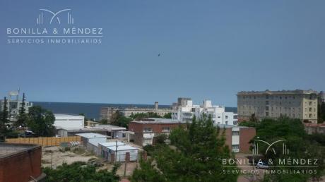 Departamento A Dos Cuadras De La Playa En El Centro De Piriápolis