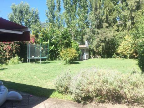 Cerca Lawn Tennis, Impecable Casa, Buen Fondo!!
