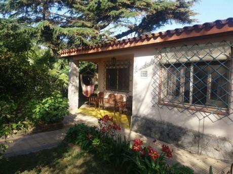 2 Casas En Un Mismo Padrón, Calle Del Lago, Si Banco!!!