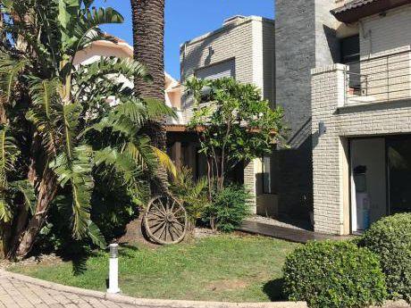 Casa - Carrasco