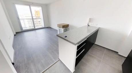 Precioso Apartamento Con Gran Patio En El Exclusivo Barrio De Villa Biarritz.