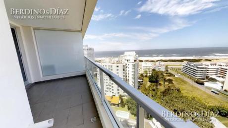 2 Dormitorios En Torre Con Todos Los Servicios En La Playa Brava