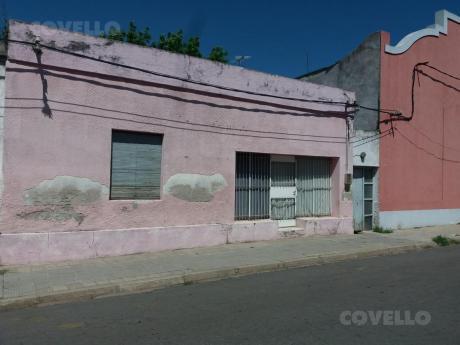 Casa, A Una Cuadra Del Puerto, 4 Habitaciones, Oportunidad