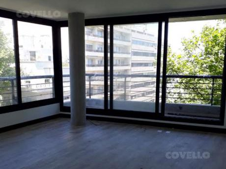 Apartamento De 2 Dormitorios, 2 Baños, Casi Rambla Con Vista Al Mar, Living Con Terraza,  Finas Terminaciones. Amenities.